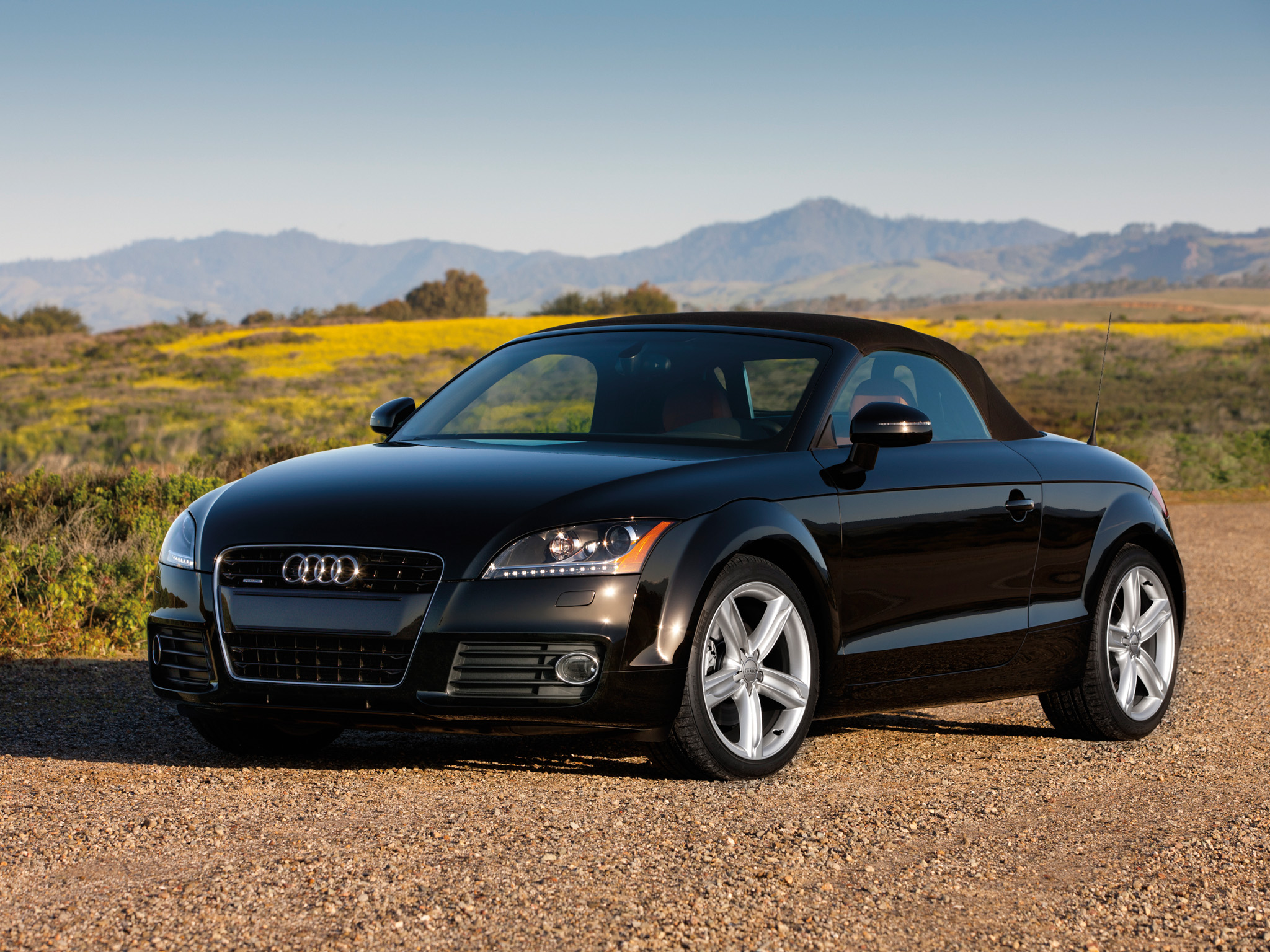 audi tt 2 0 tfsi quattro details of cars on. Black Bedroom Furniture Sets. Home Design Ideas