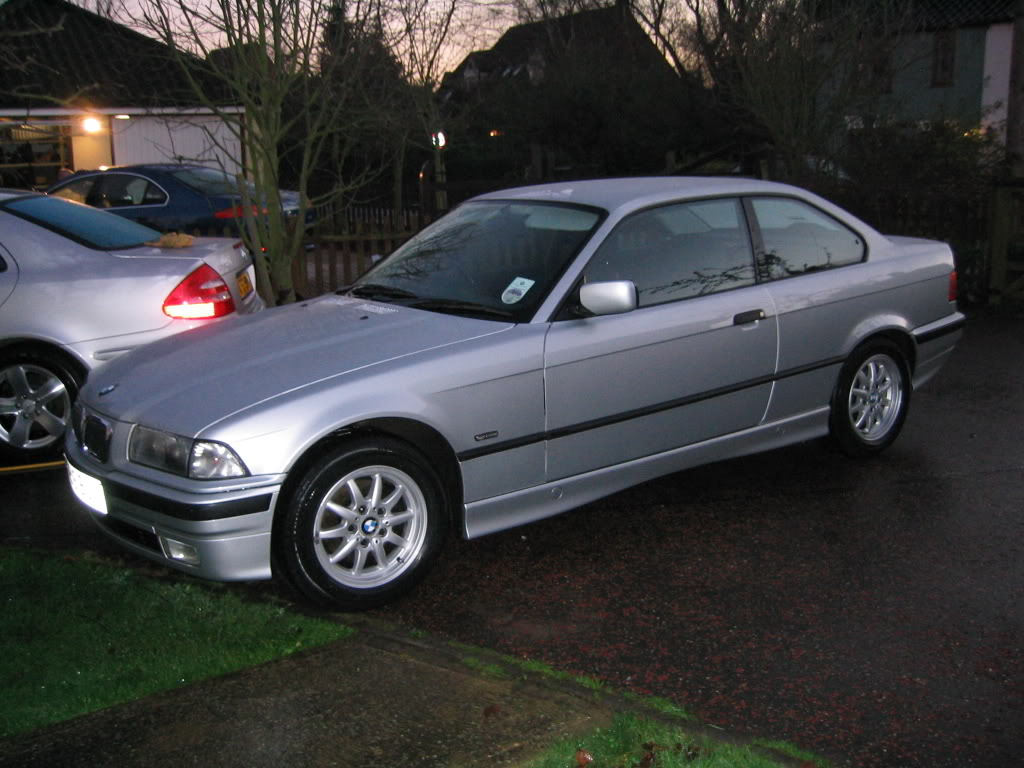 BMW 316i coupe (E36)