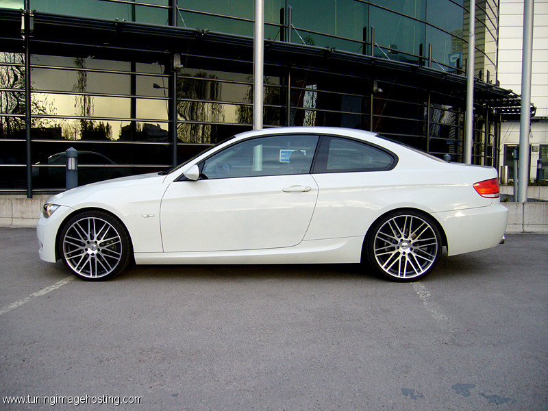 bmw 320d sedan e92 details of cars on details of. Black Bedroom Furniture Sets. Home Design Ideas