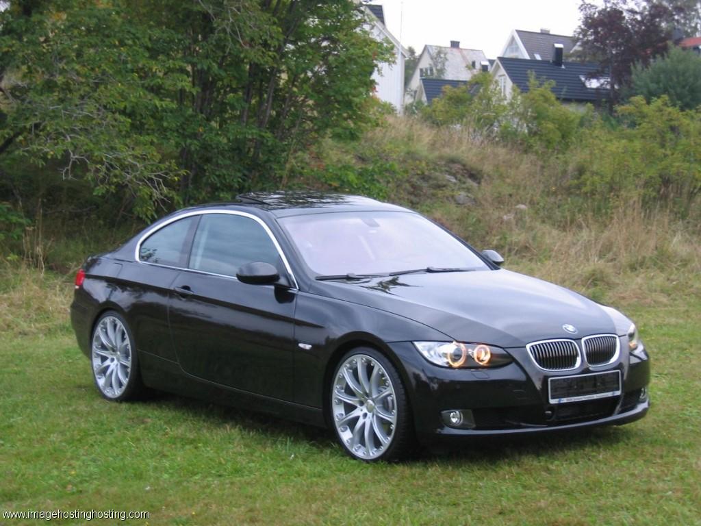 BMW 325i Convertible (E90)