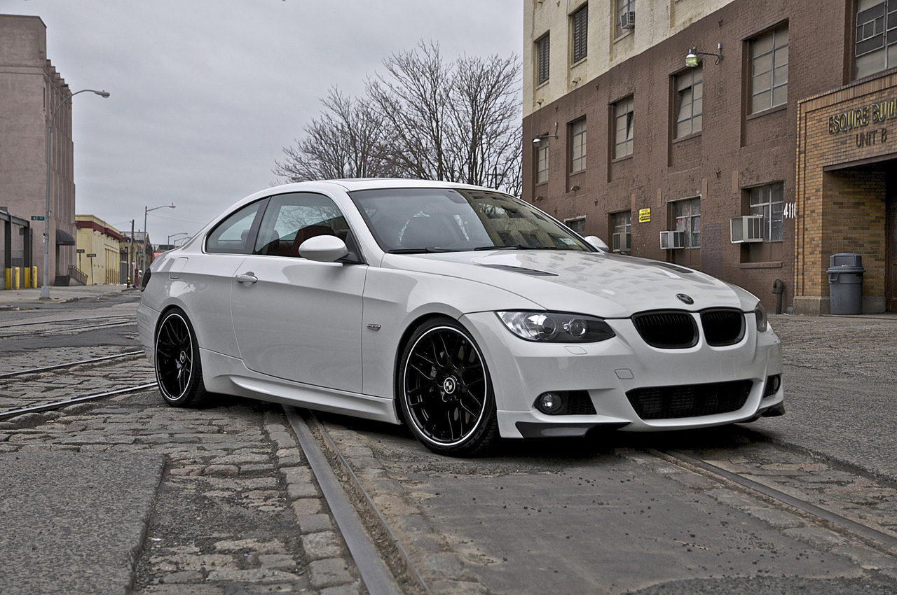 bmw 325i coupe e92 pictures photos information of modification video to bmw 325i coupe. Black Bedroom Furniture Sets. Home Design Ideas