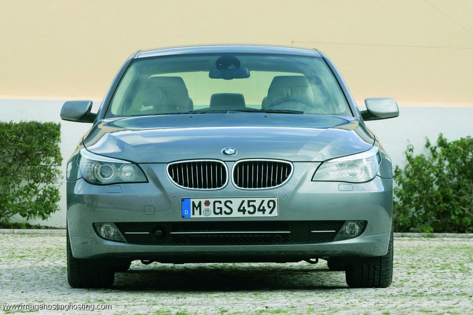 BMW 530i xDrive Sedan (E60)