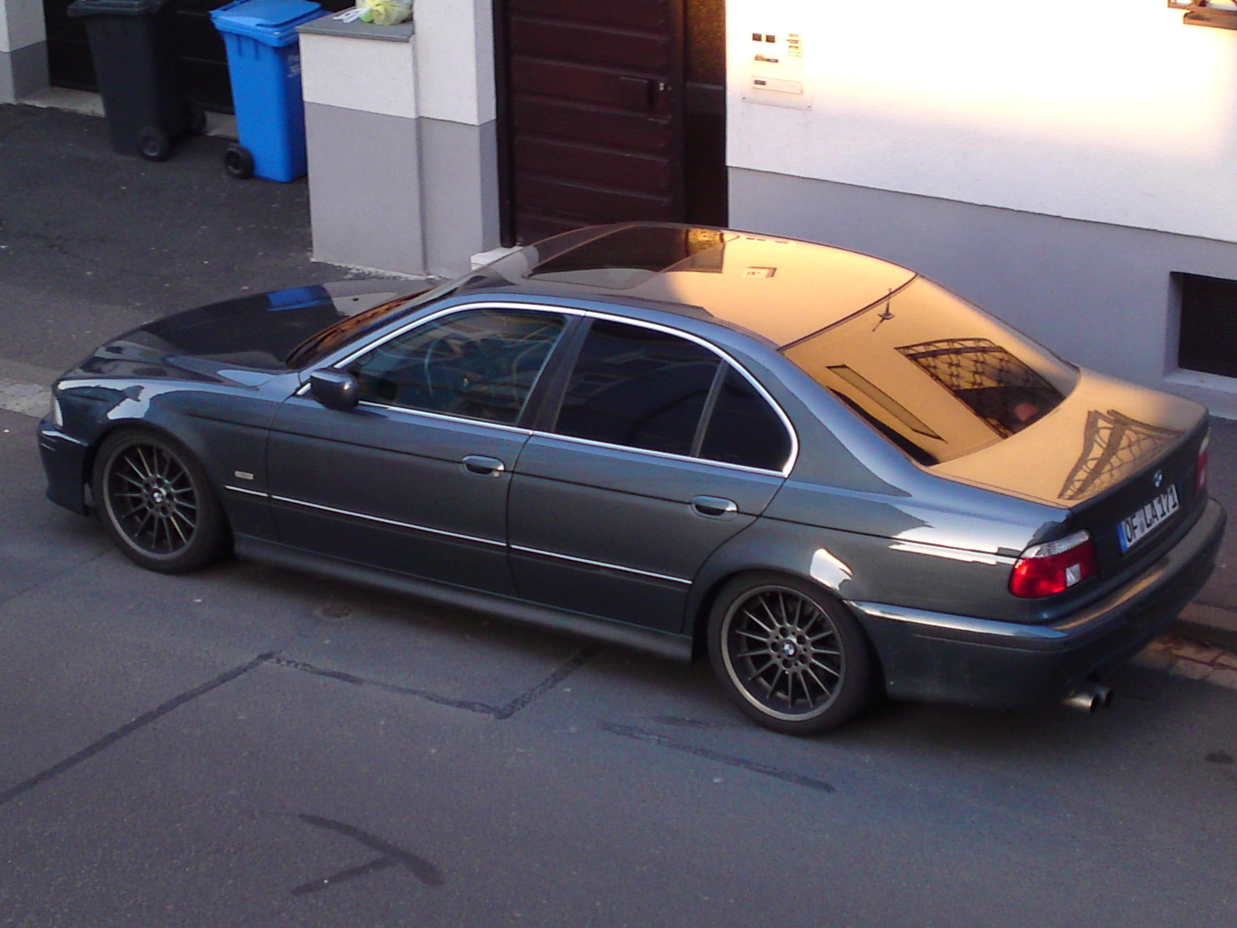 BMW 540i (E39)