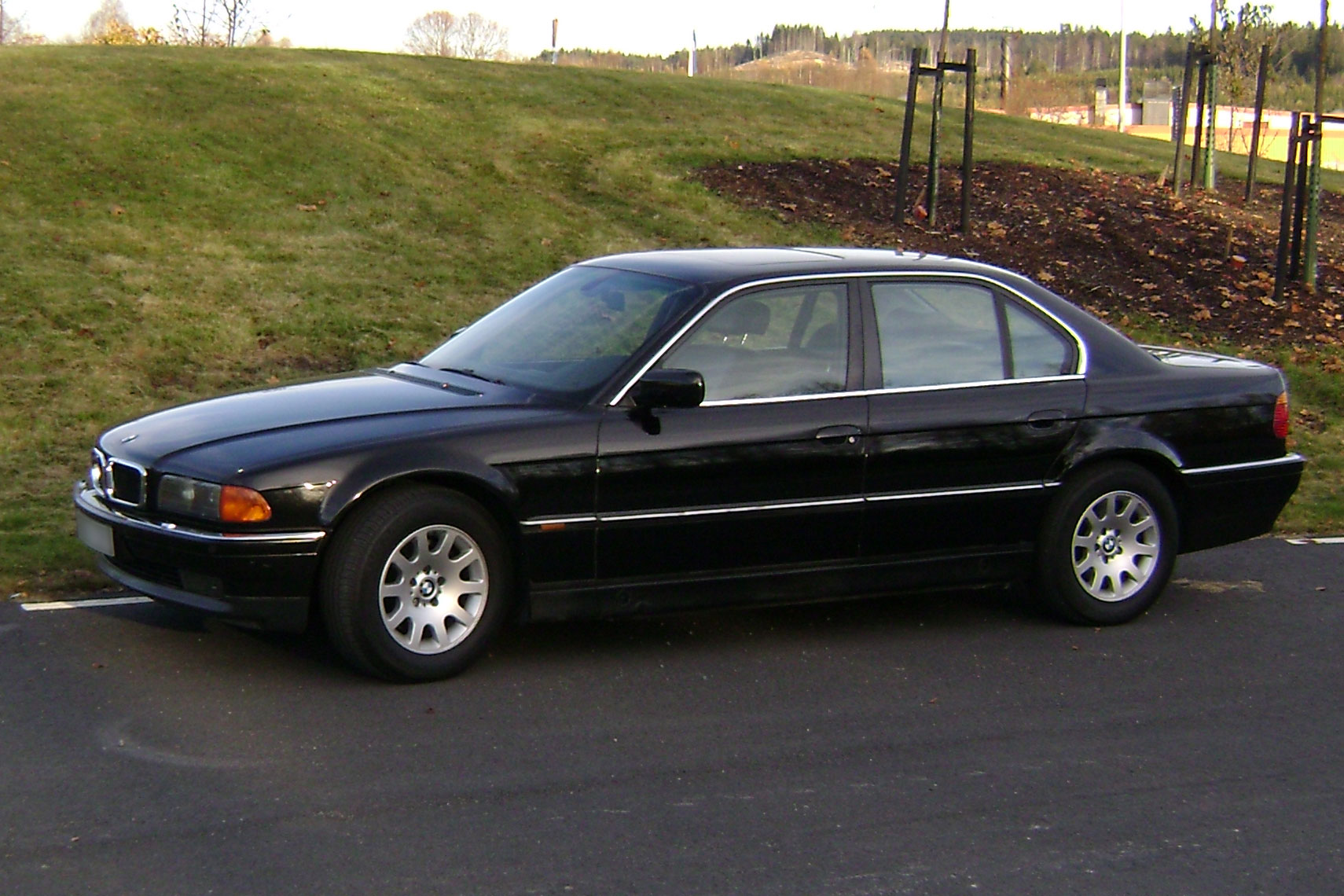 BMW 740d (E38)