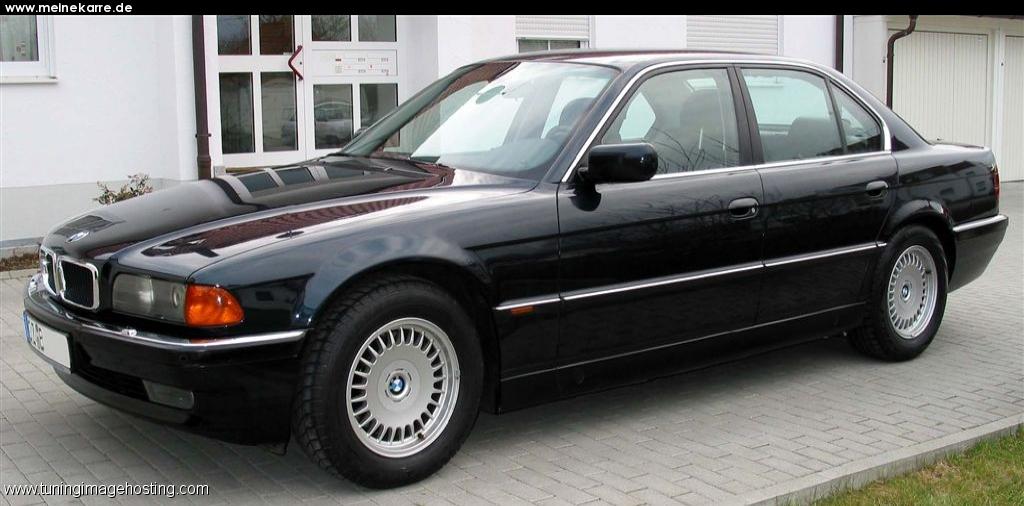 BMW 740i (4.4) (E38)