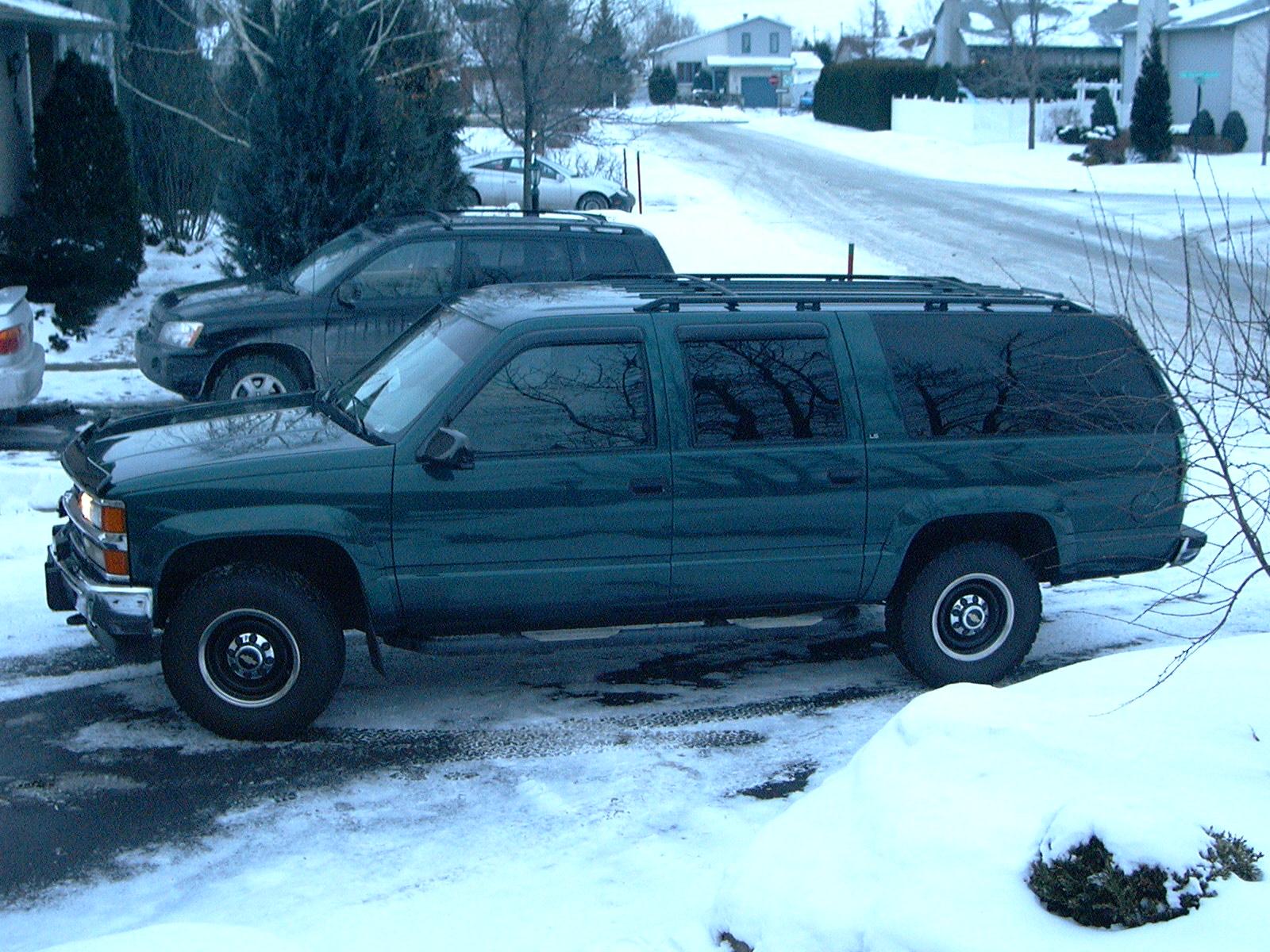 Chevrolet suburban 2500 4wd