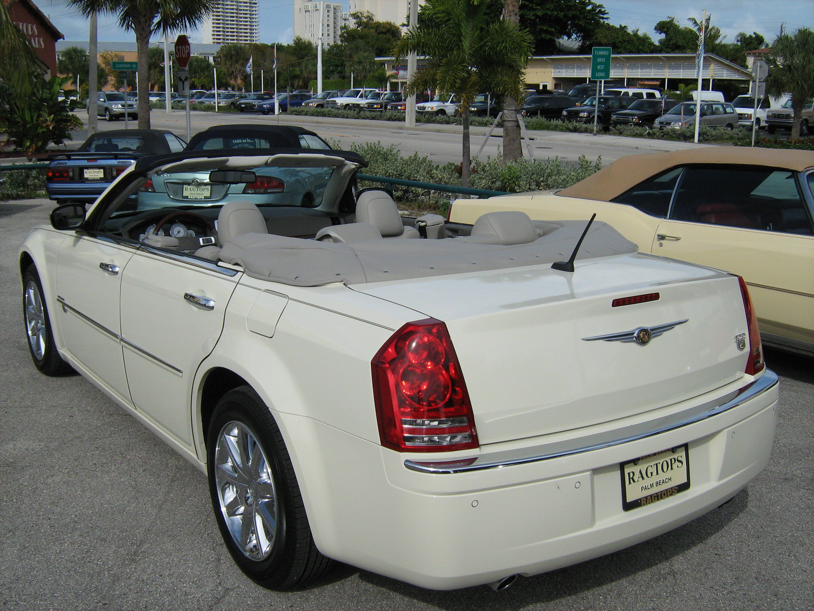 Chrysler 300h