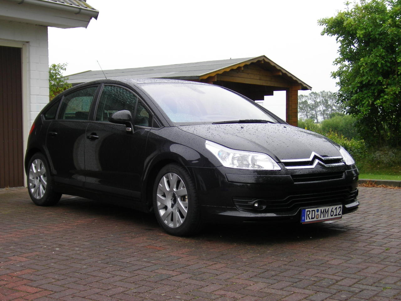 citroen c4 coupe 1 6 hdi vtr 10 details of cars on. Black Bedroom Furniture Sets. Home Design Ideas