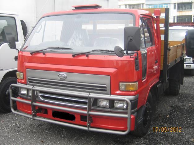 Daihatsu delta tipper