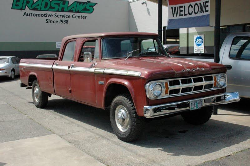 Dodge d-100 pickup