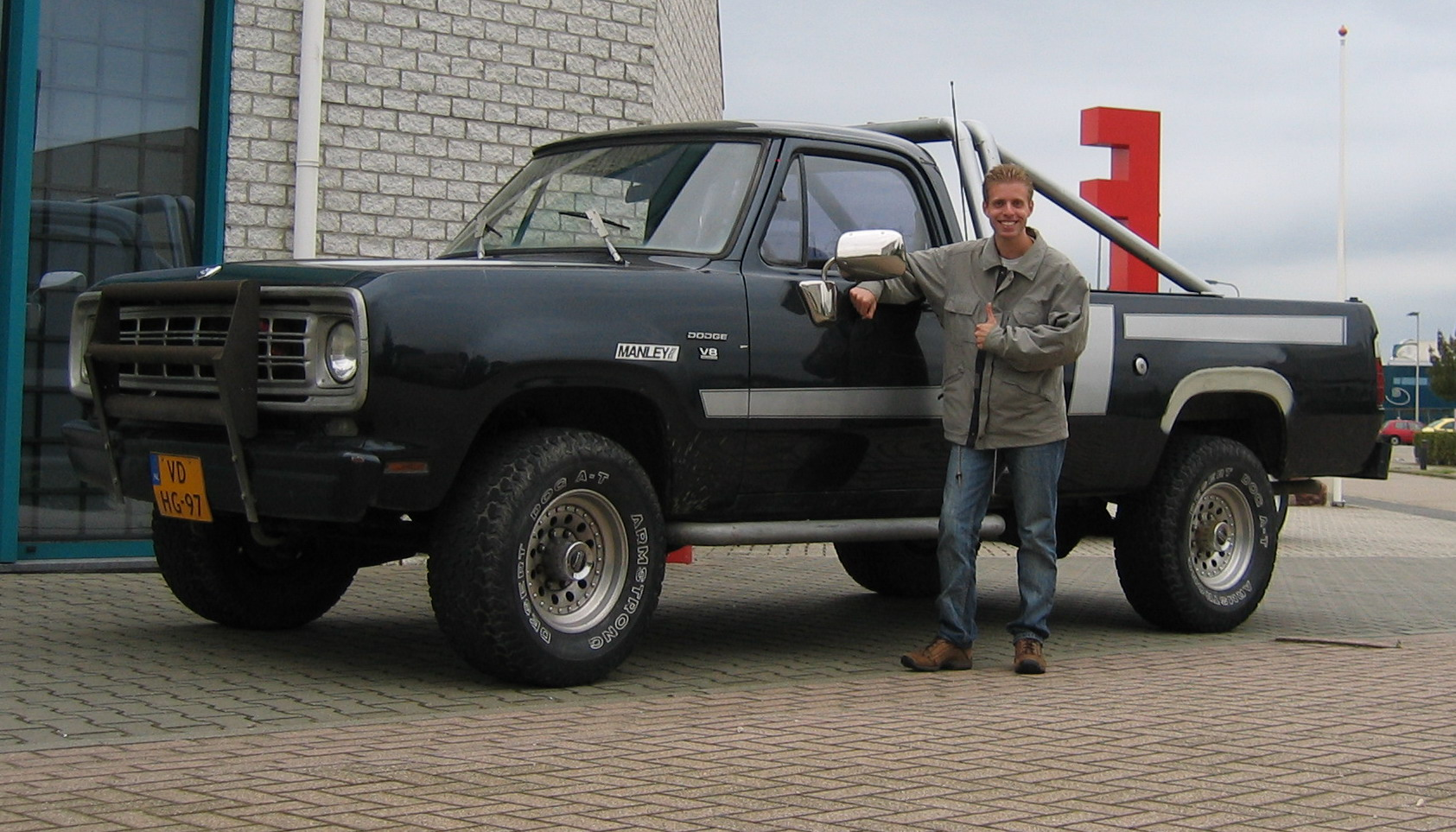 Dodge w-200