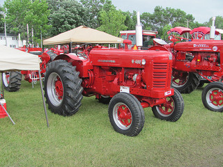 International harvester 956