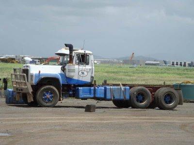 Mack r-700