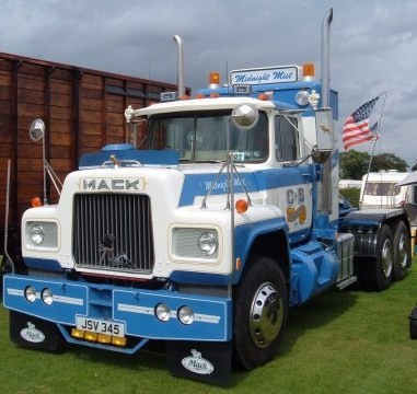 Mack r-series