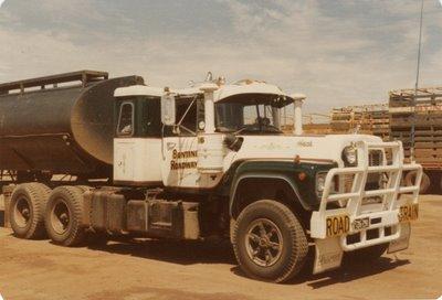 Mack r700
