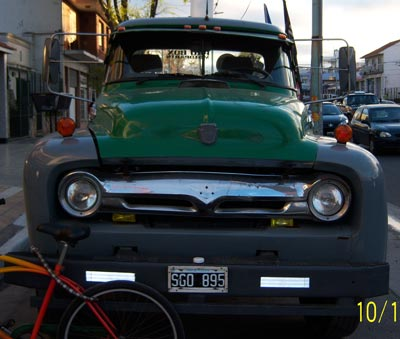 Ford 900