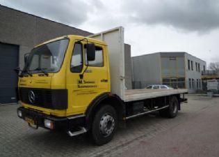 Mercedes-benz 1413