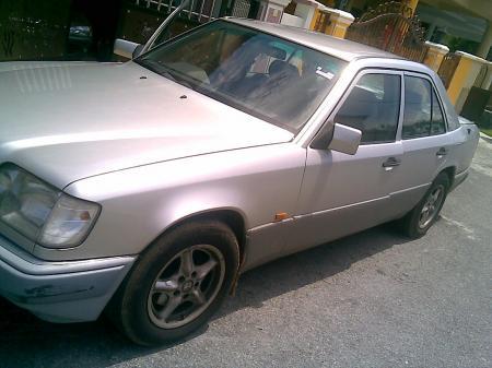 Mercedes-benz 220e
