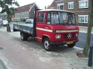 Mercedes-benz l407