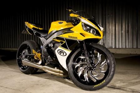 Yamaha e