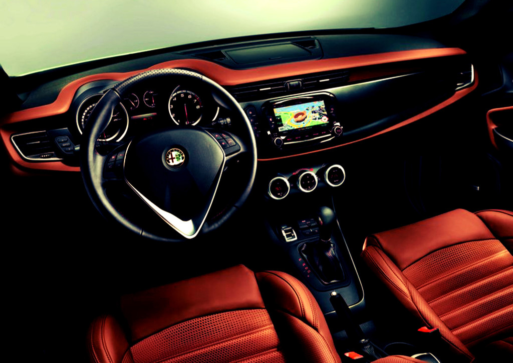 Alfa romeo giulia pictures photos information of for Alfa romeo 159 interieur