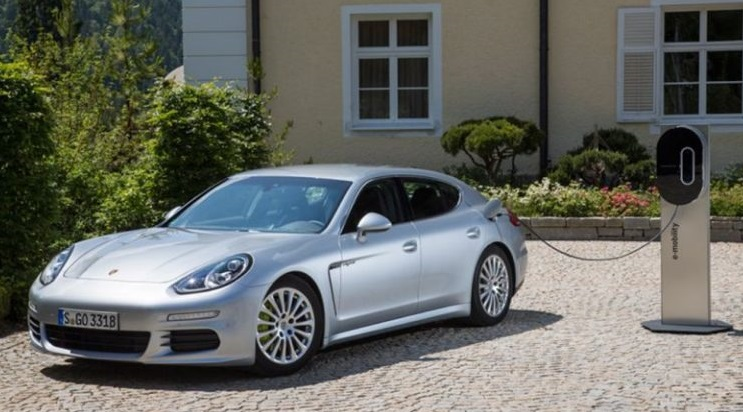 porsche panamera e hybrid 2017 pictures photos information of modification video to. Black Bedroom Furniture Sets. Home Design Ideas