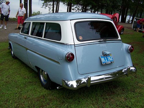 1954 FORD WAGON (1)