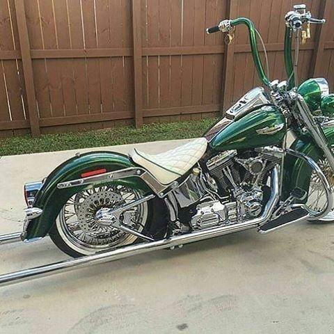 Resultado de imagen para chicano style road king verde #HarleyDavidsonRoadKing