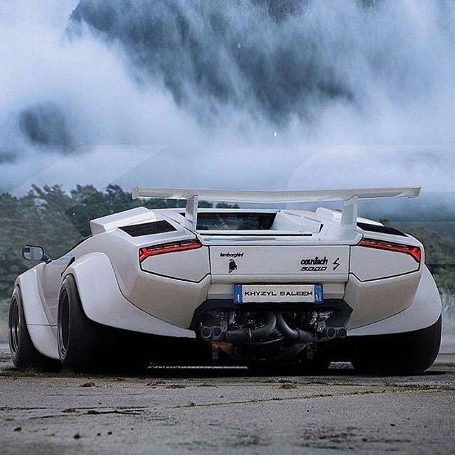 Bull Run — radracerblog: Lamborghini Countach @the_kyza