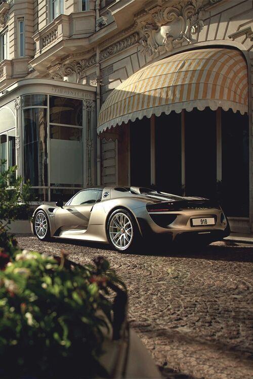 Oh! Jetez un oeil à cette Porsche 918 Spyder. Élégant, stylie, professionnellement rapide l … – Des Voitures