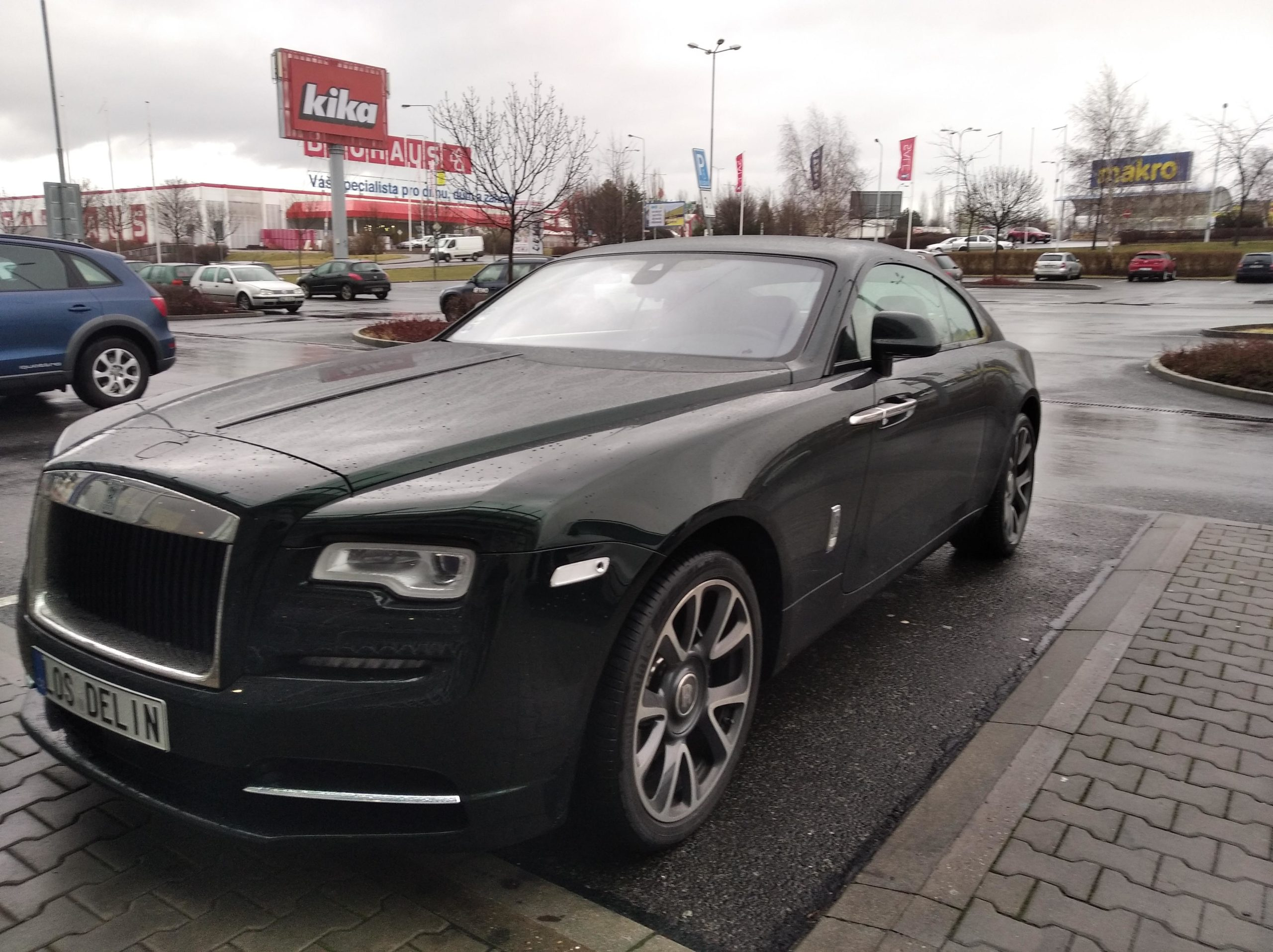 Spotted a Rolls-Royce Wraith