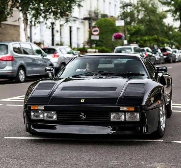 Ferrari GTO en negro