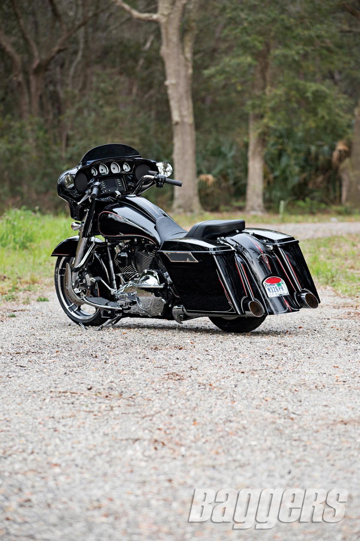 2014 Harley Street Glide: Bolt-On Badness   Baggers