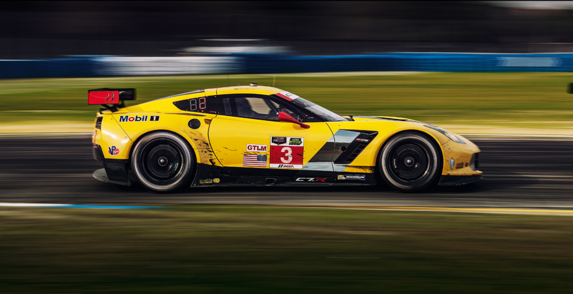 Corvette C7R on the track