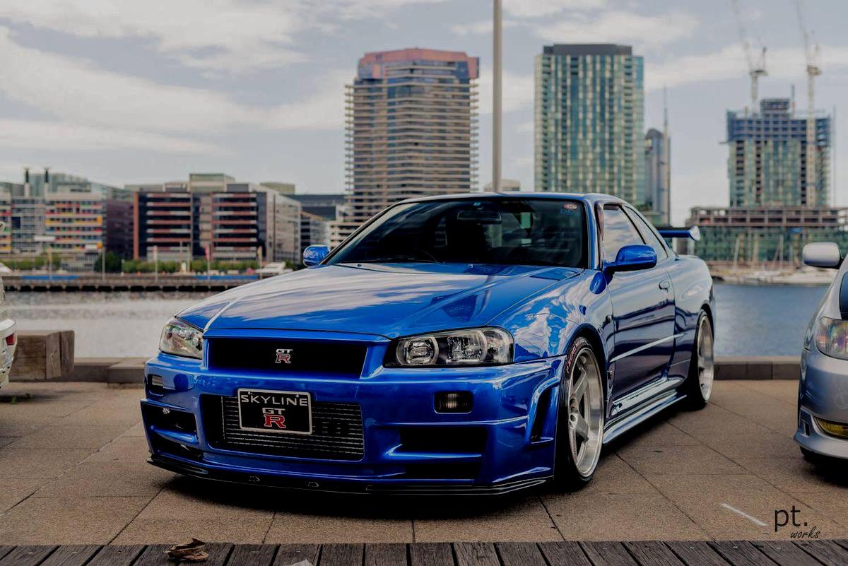 Stunning blue Nissan Skyline GTR34