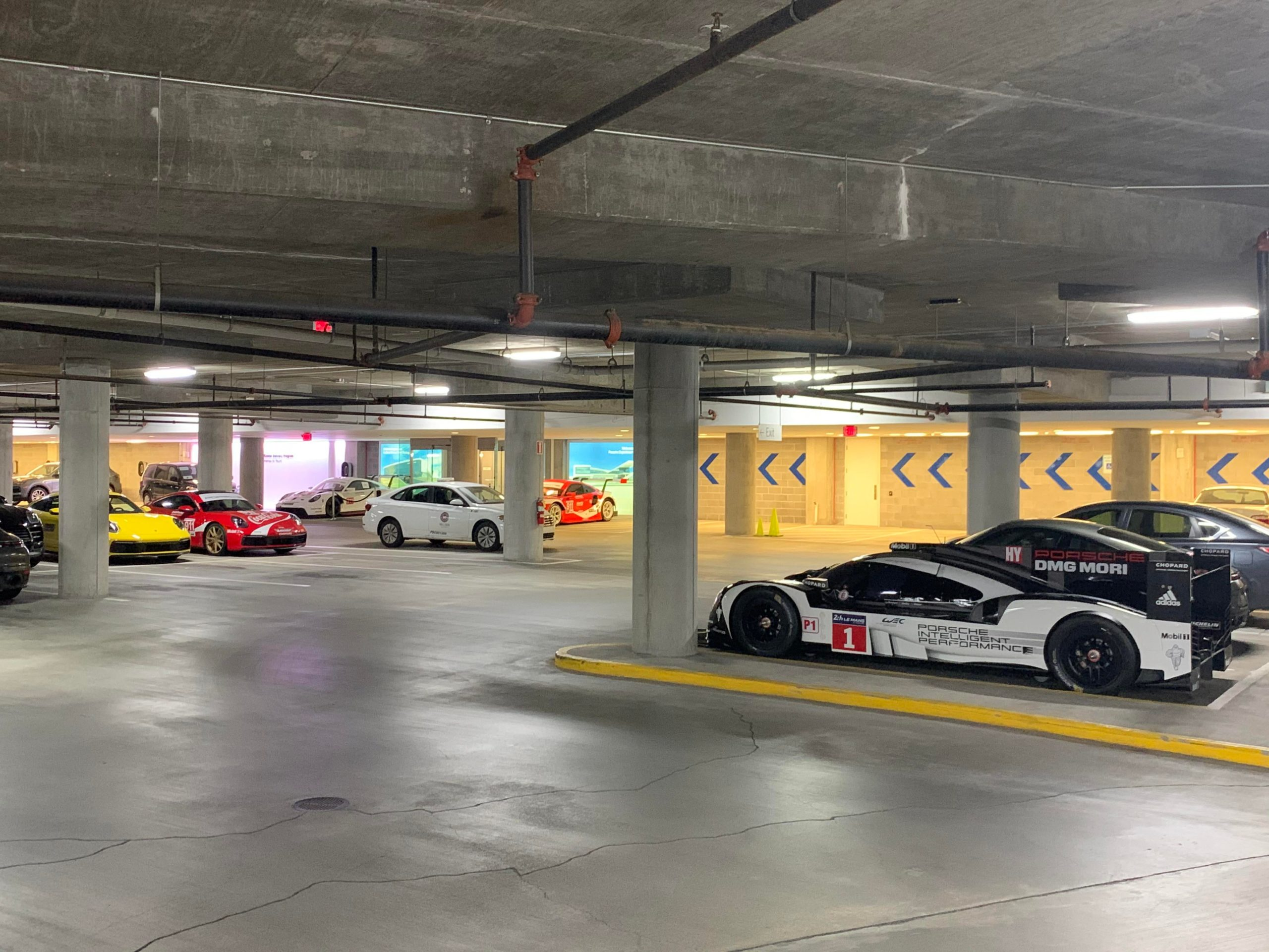 A parking lot where the most interesting thing is not a couple of brand new 992 or the RSRs on the back but a Porsche 919 Hybrid…