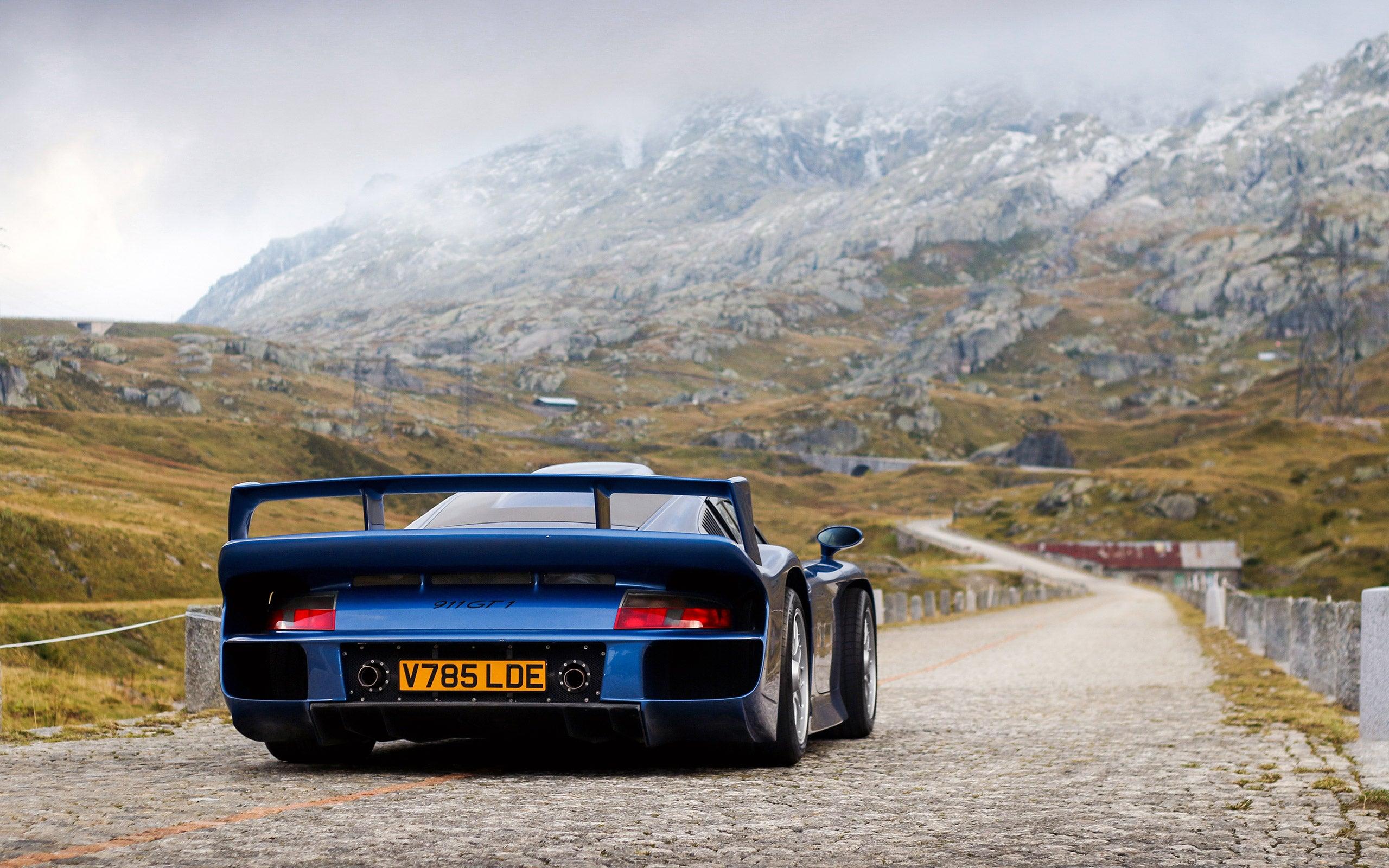 1997 Porsche 911 GT1 ♥