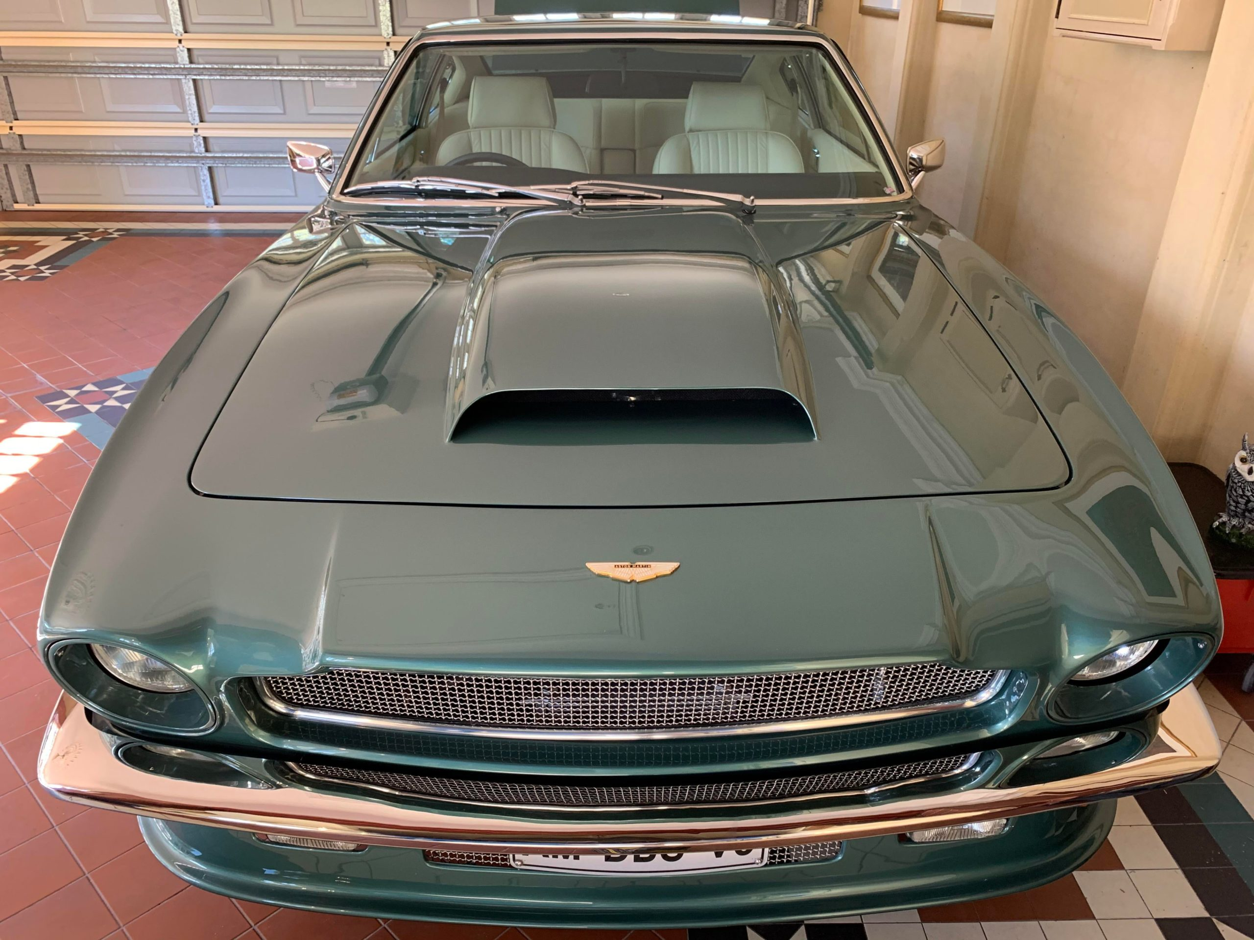 1975 Aston Martin V8……Zymol Concours hand wax…….despite all the modern nano particles this is still my chosen finish – here's why!