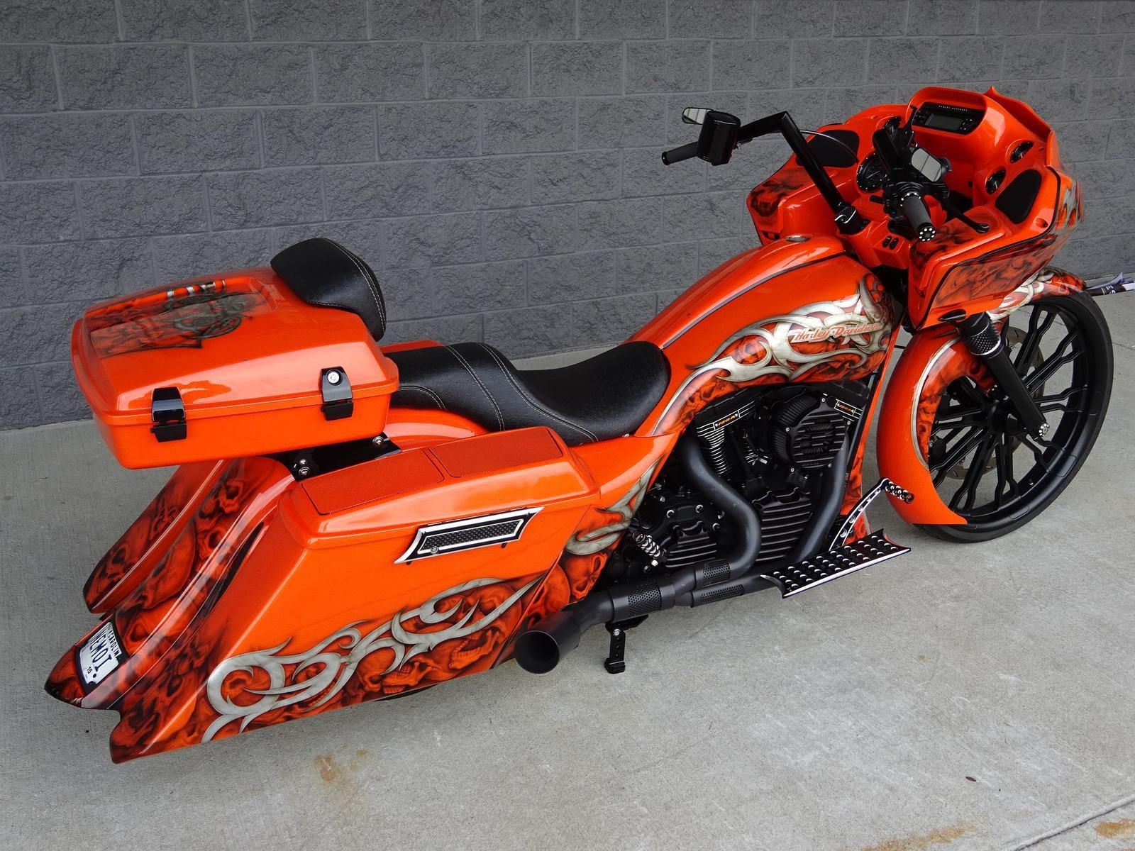 2013 Harley-Davidson ROAD GLIDE CUSTOM – SCREAMIN' EAGLE 120R MOTOR – 26″ BIG WH…