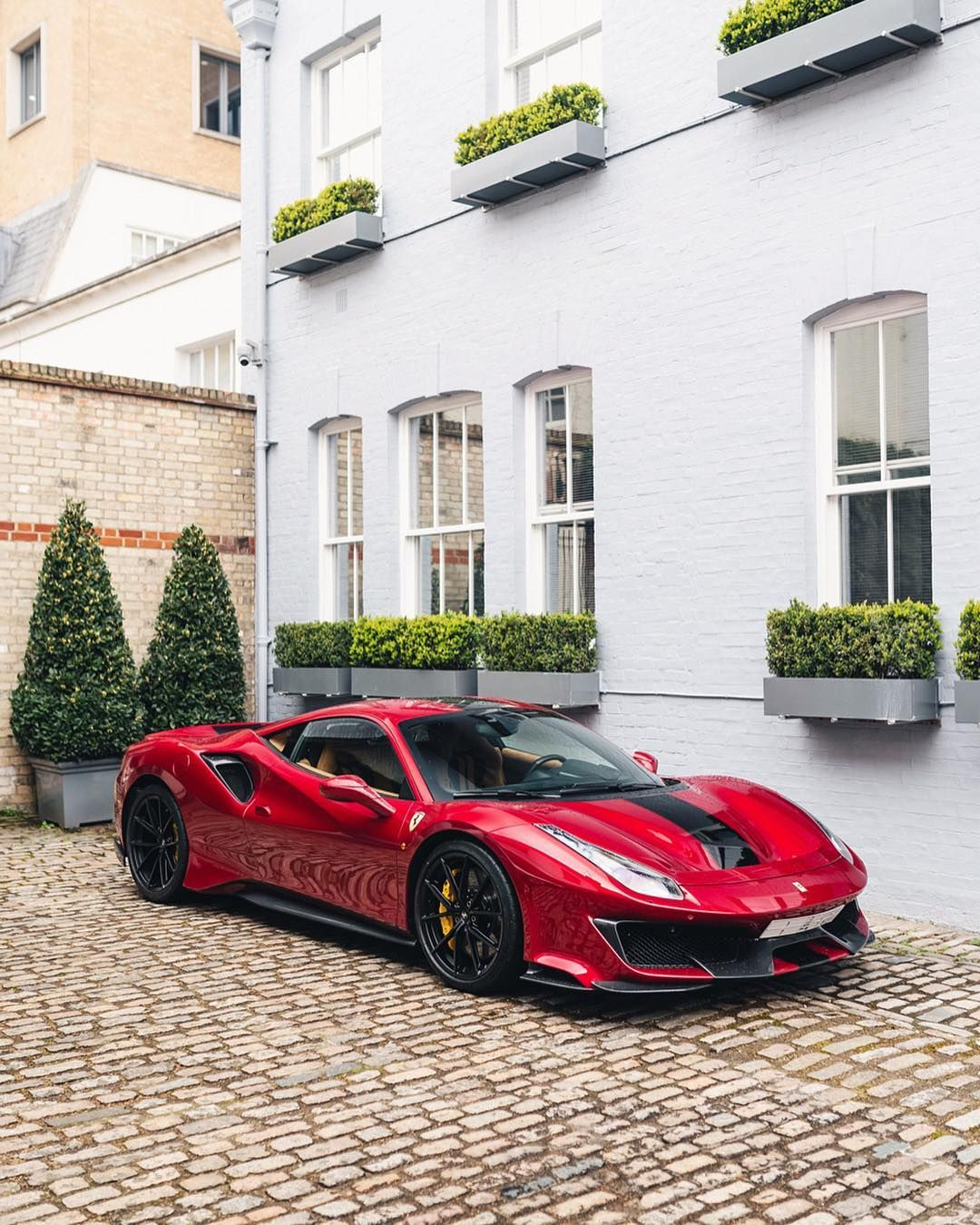 "Freddie Atkins on Instagram: ""Incredible spec on this freshly delivered Pista ?? #Ferrari #488Pista #London"""