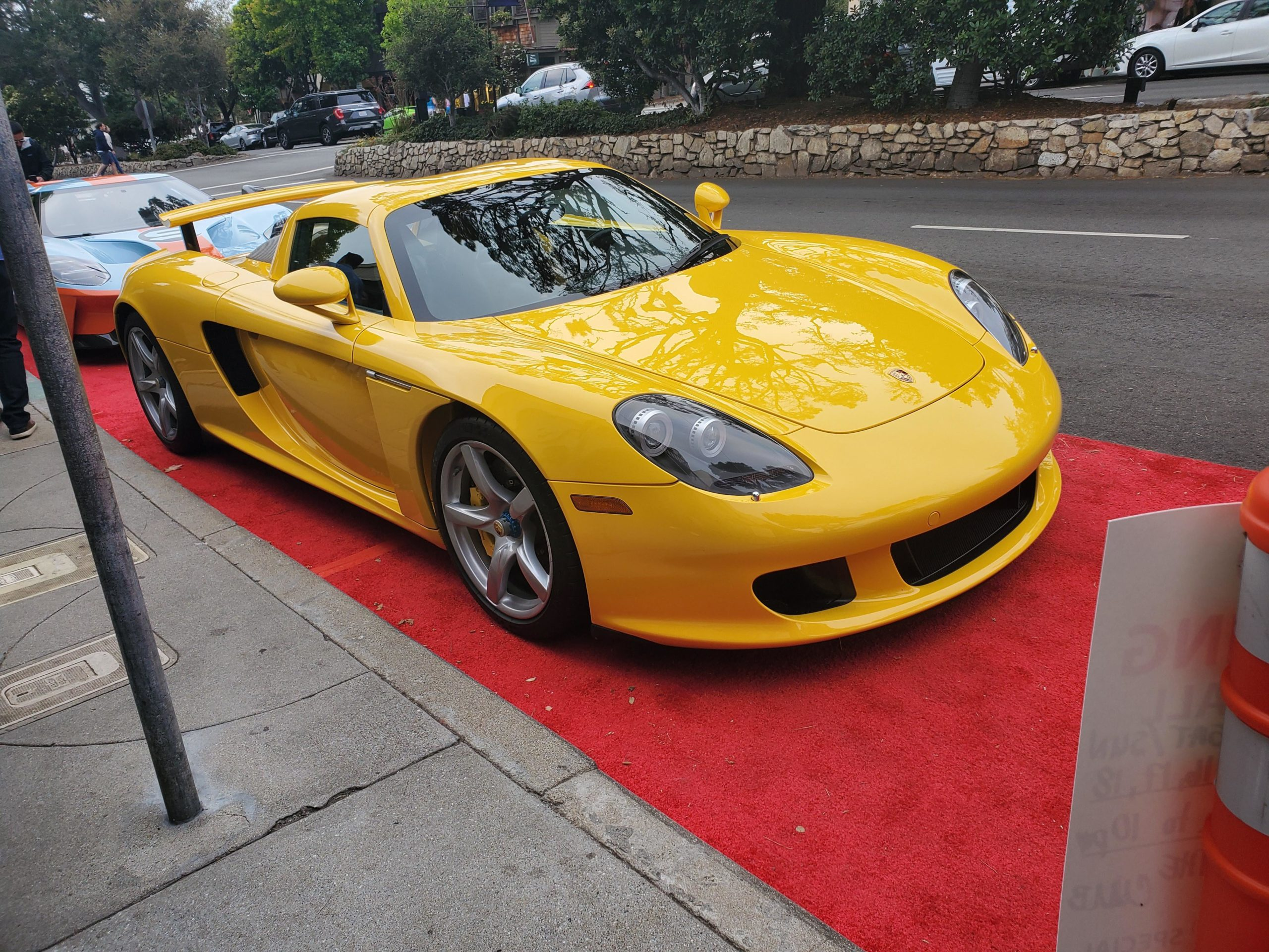 this carrera gt is amazing