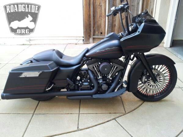 Sweet Road Glide apes #harleydavidsoncustommotorcyclesroadking #harleydavidsonba…