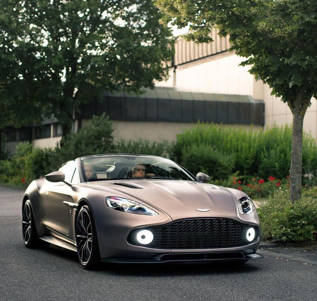 #astonmartindb9gt