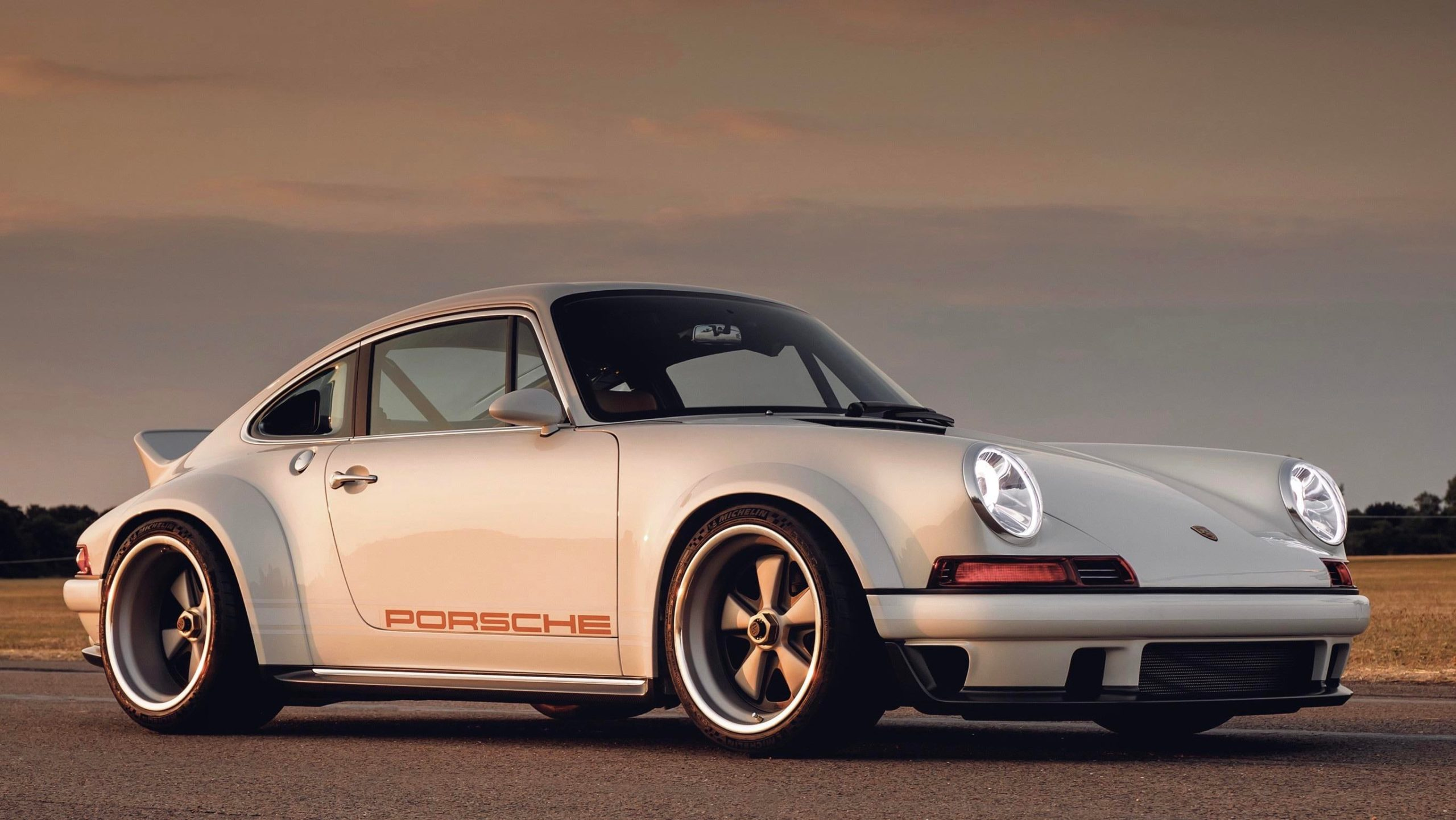 Old School Porsche still looks great!