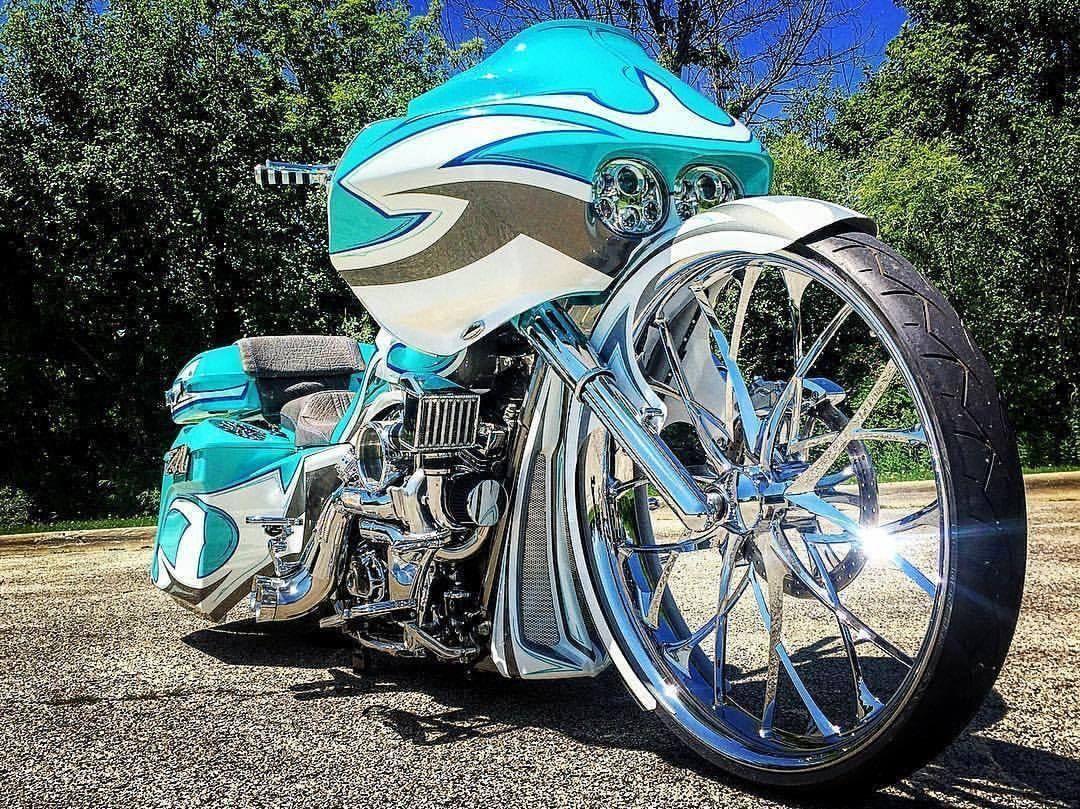 Epic Firetruck's Motor'sicle Baggers ~ #harleydavidsonbaggerhotbikes