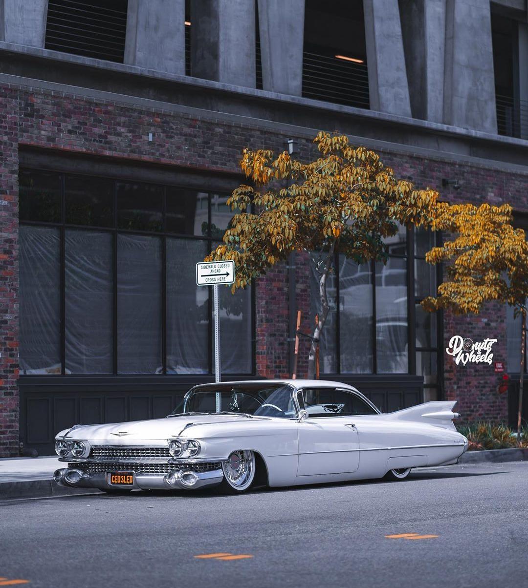 1959 Cadillac Coupe DeVille (@roccosdad)