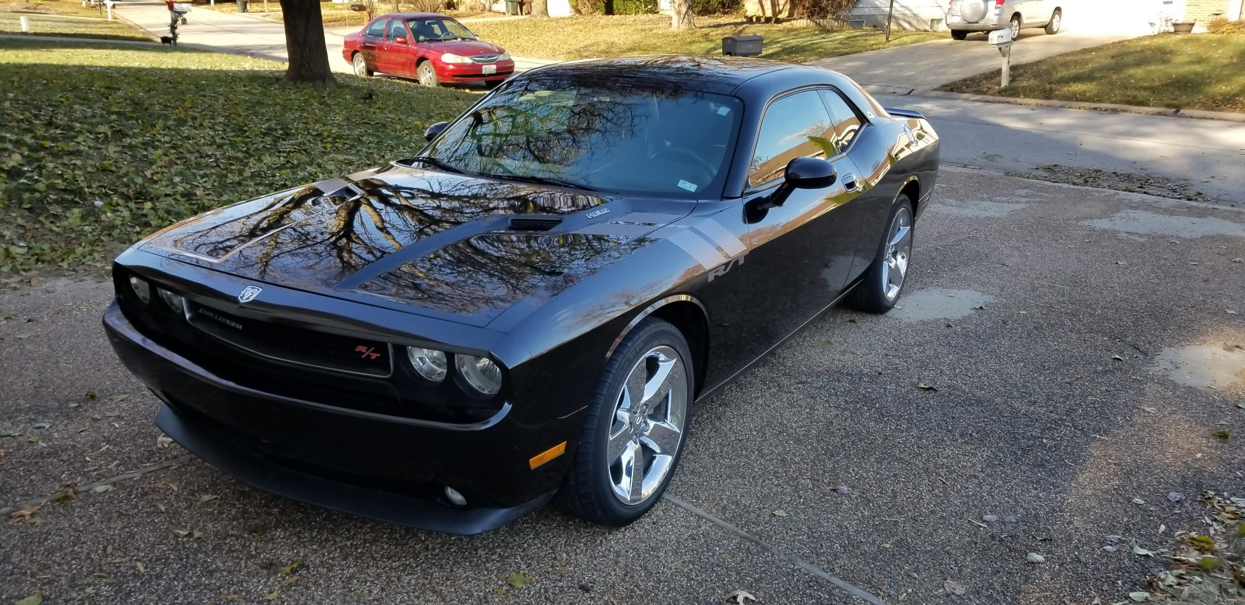 Didn't see many of them on here, so here's my 2009 Challenger R/T!