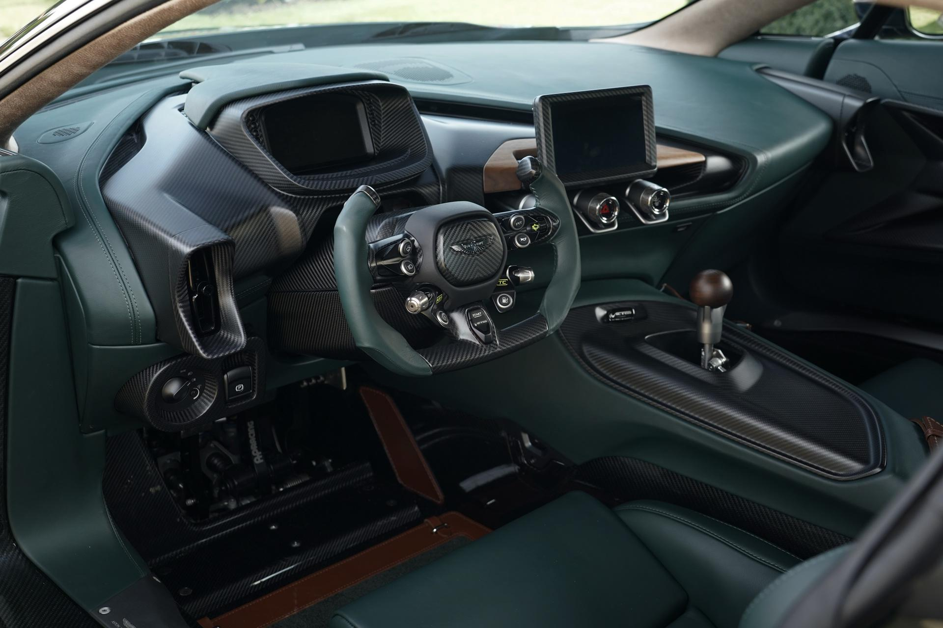 Aston Martin Victor interior w/ 6-speed manual transmission