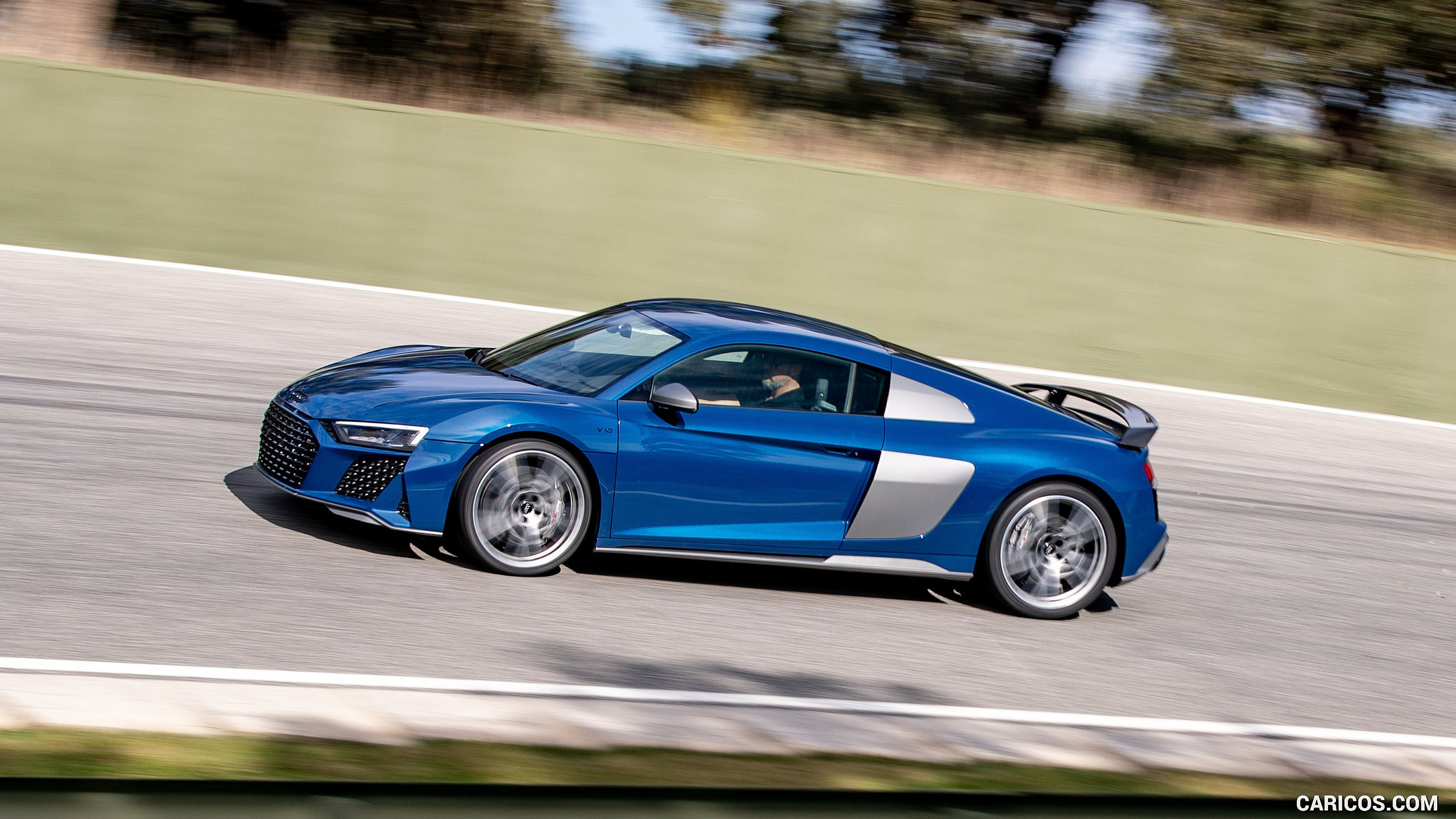 Audi R8 in Ascari Blue