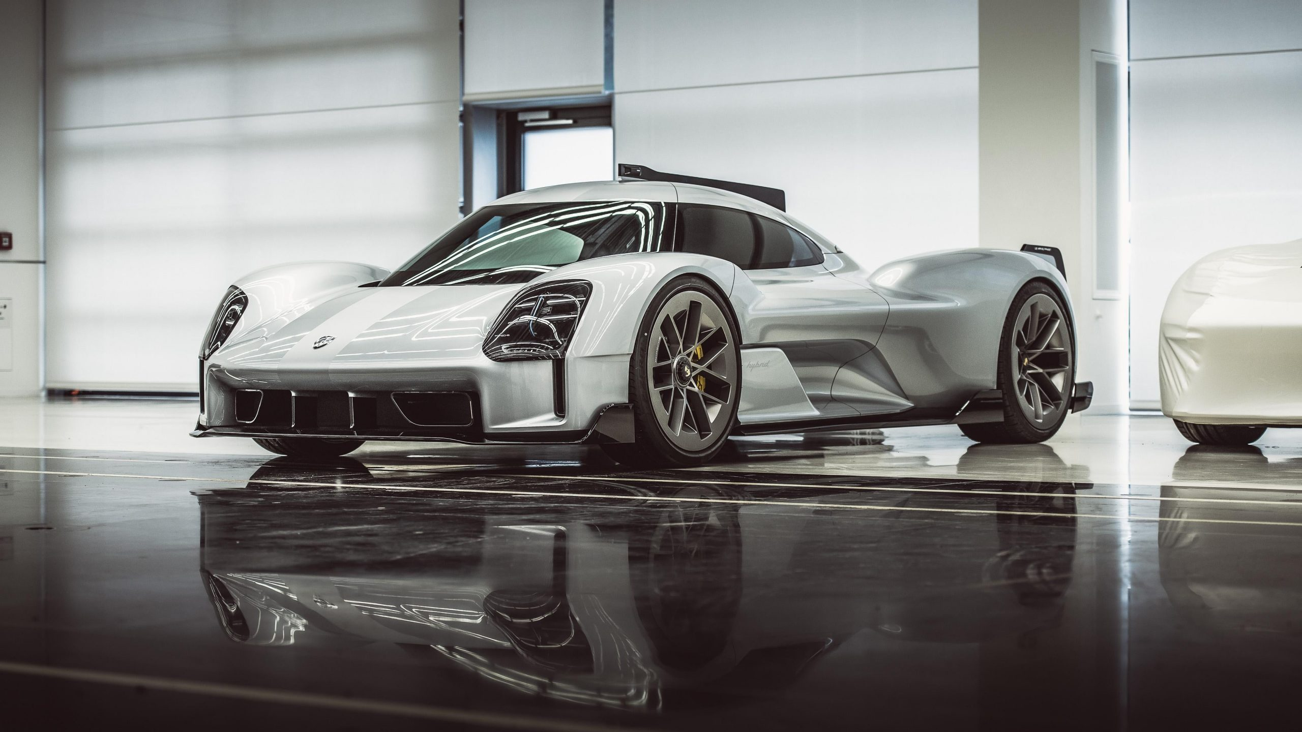 2017 Porsche 919 Street, pop or flop?